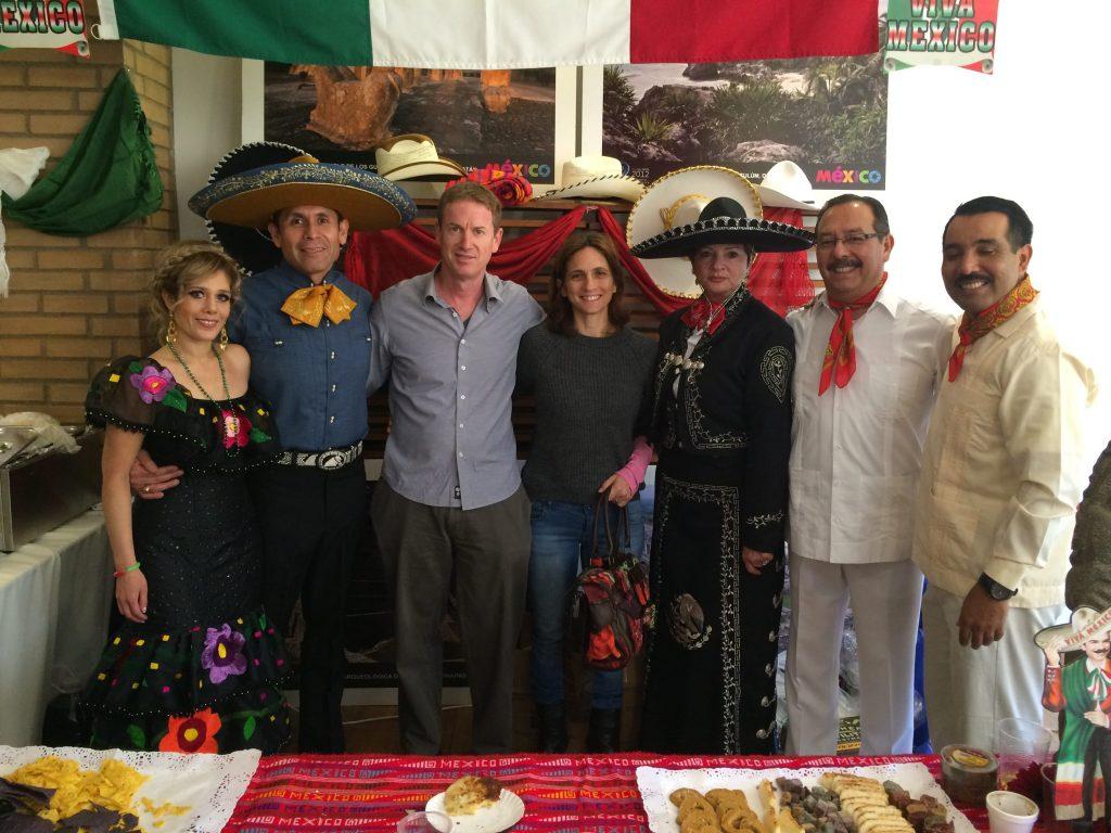 עם החברים ממקסיקו