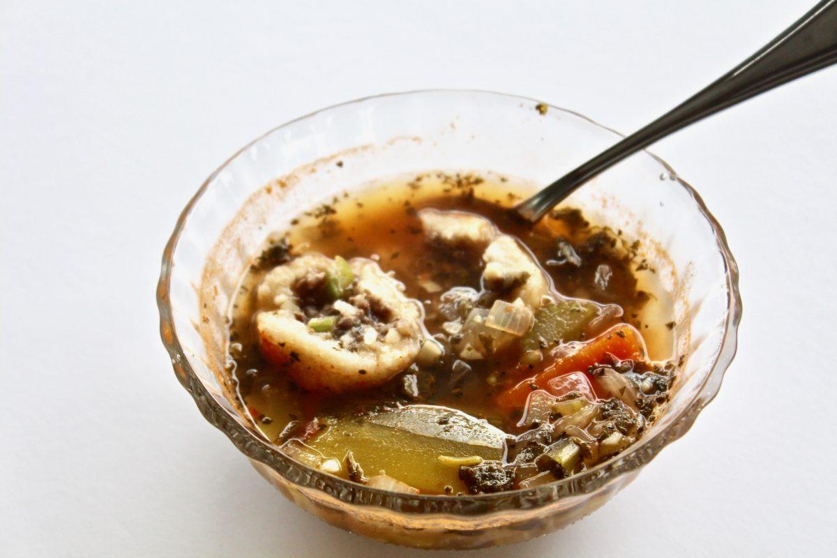 מרק חמוץ עם קובה מקמח תירס