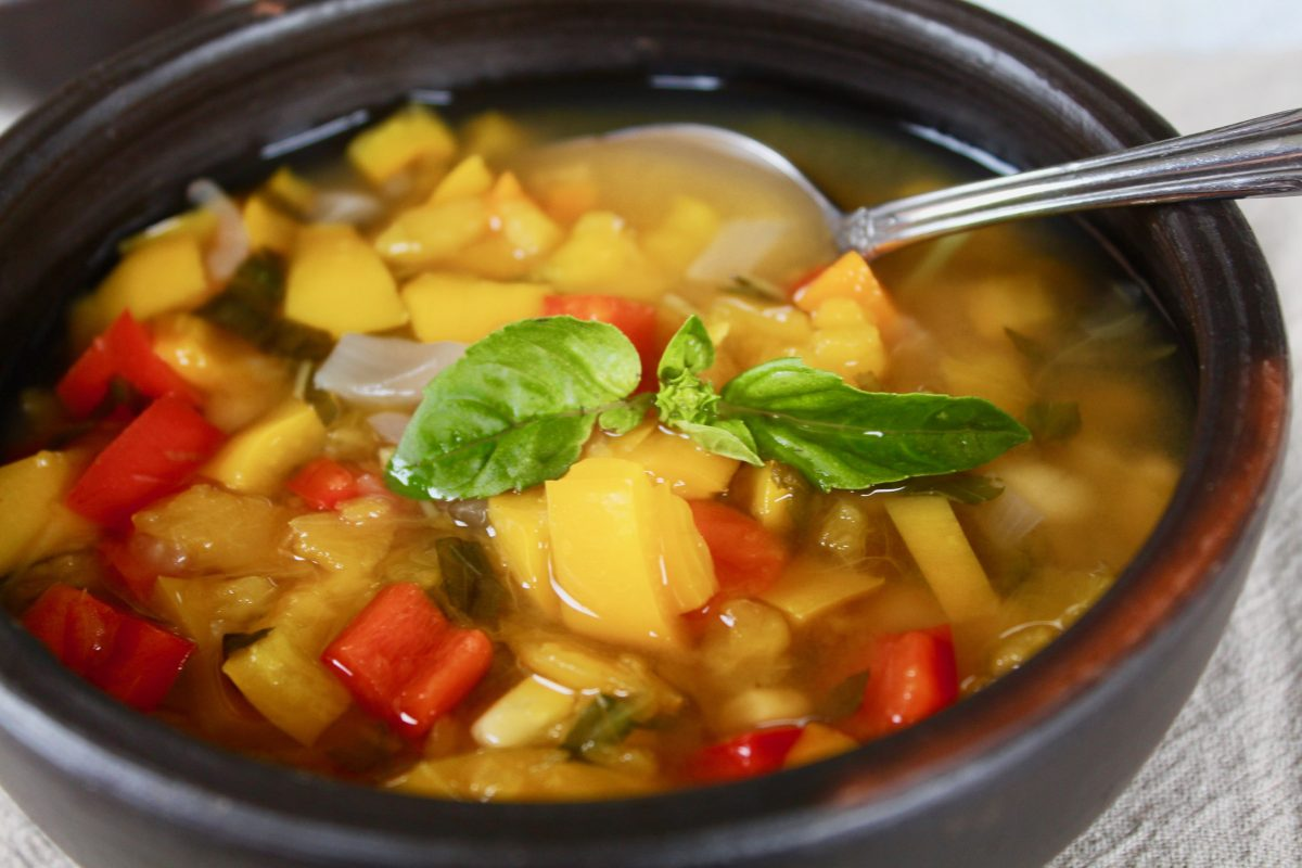 מרק שעועית צ׳ילאני