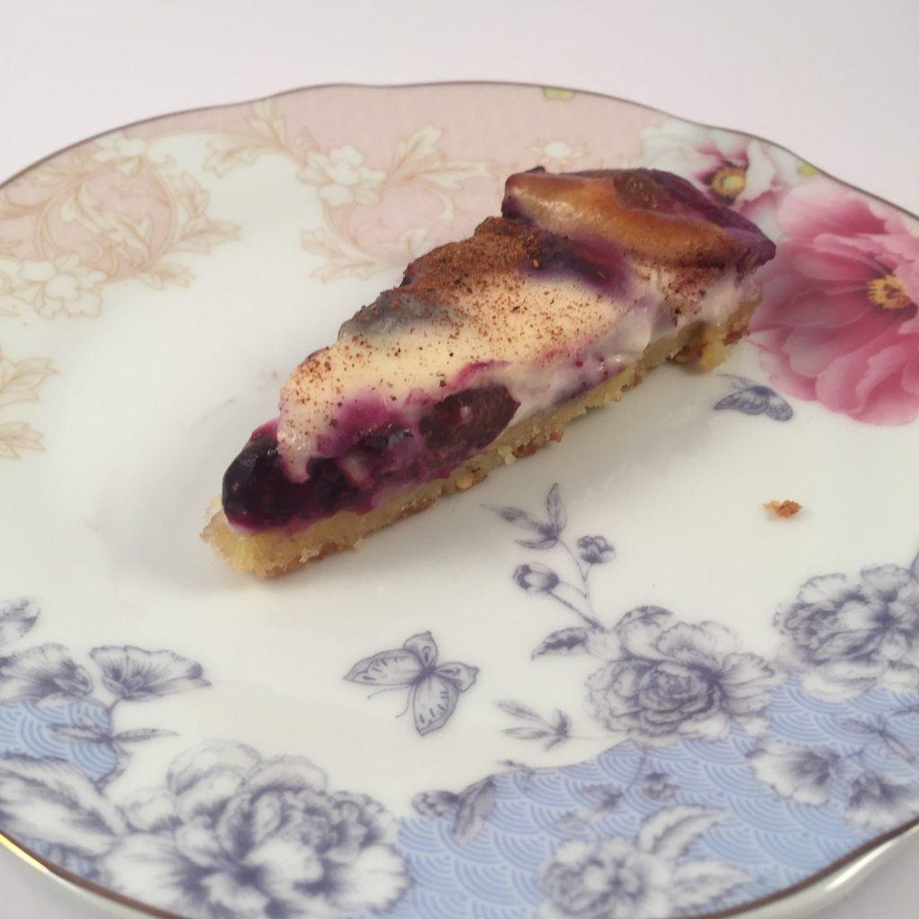 הפעם עוגת פטל עם אוכמניות ובסיס ללא גלוטן