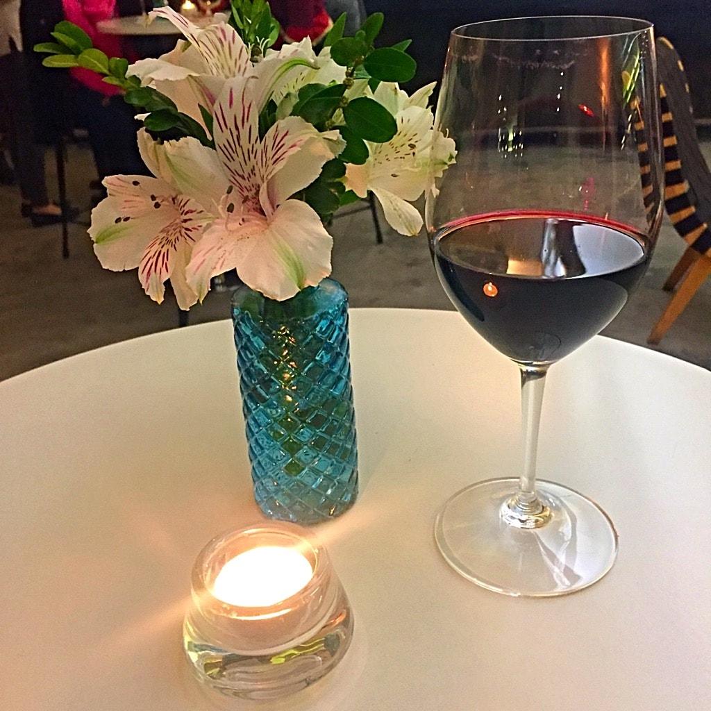 היין פה כל כך טעים!