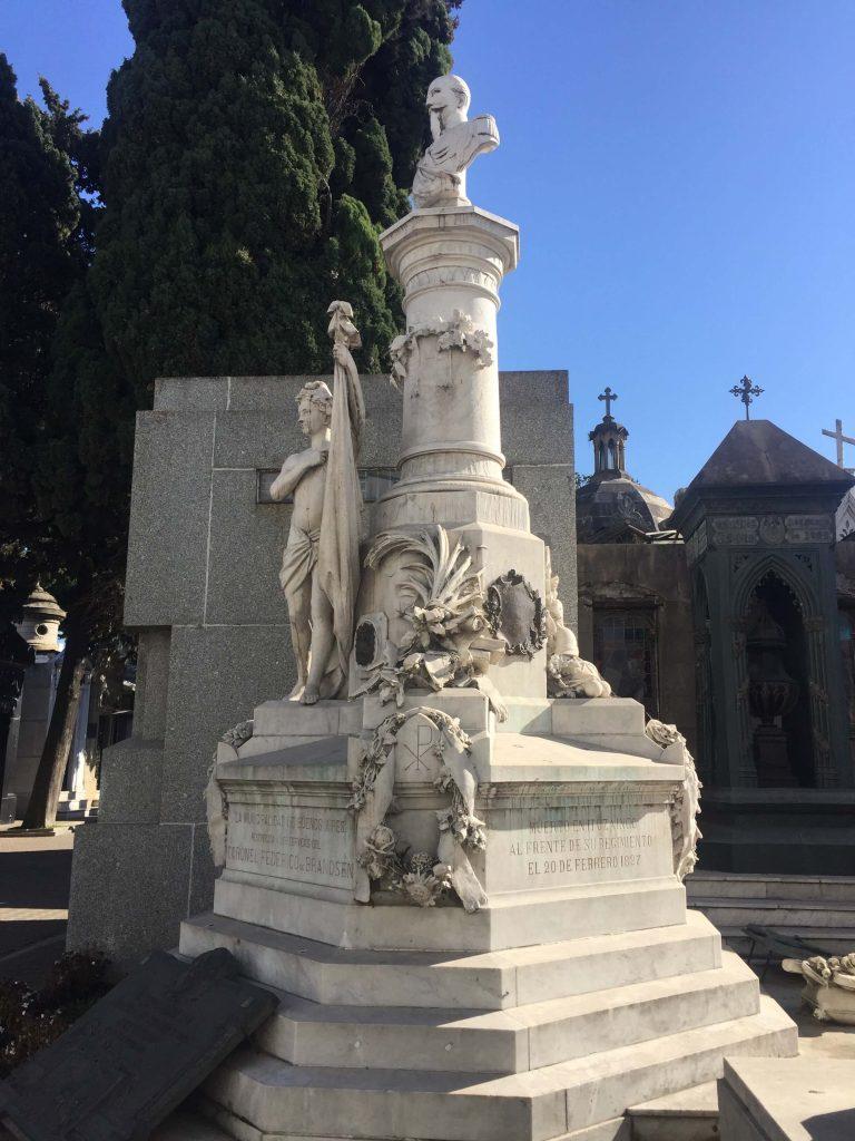 קבר בבית הקברות