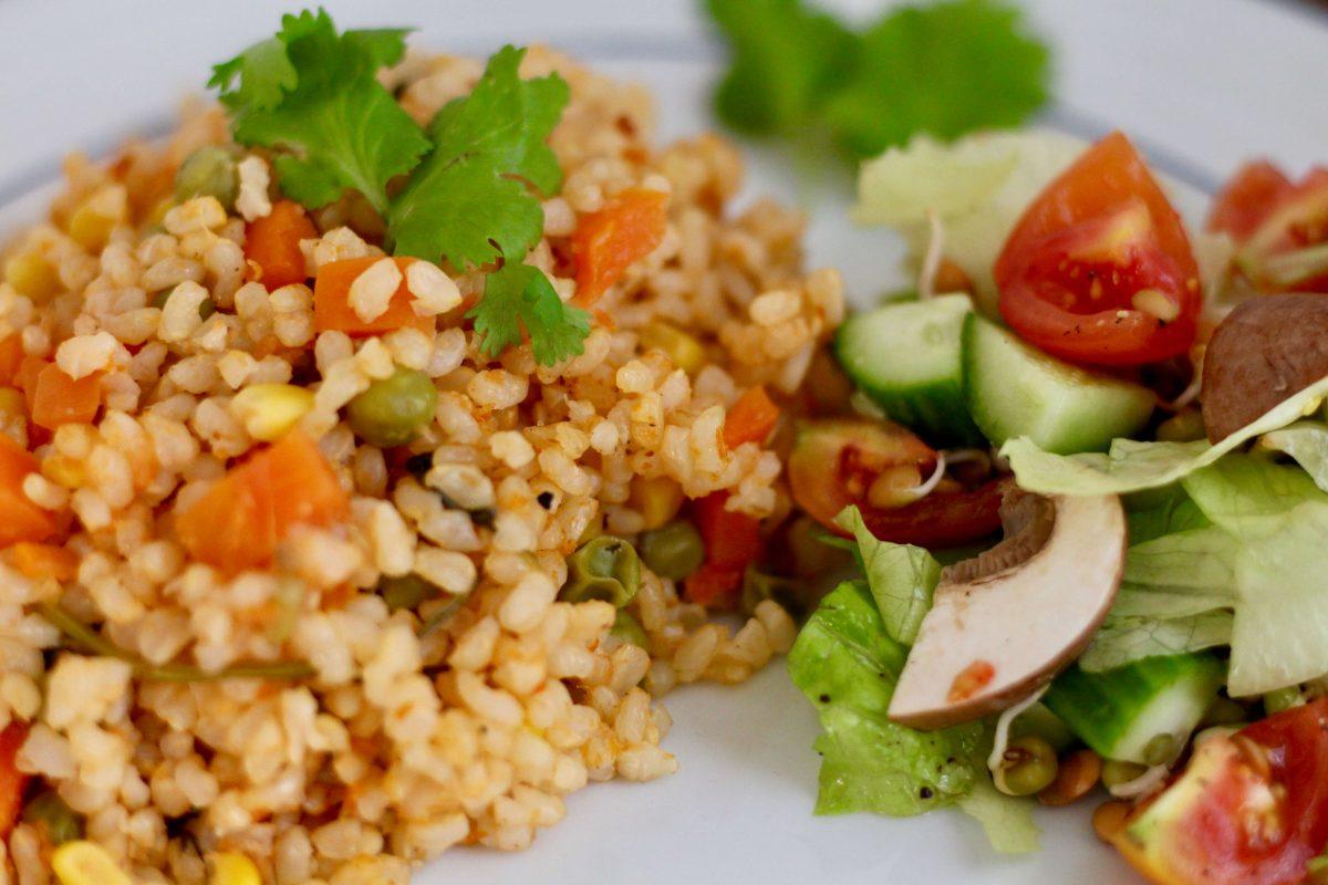אורז מקסיקני אדום עם אורז מלא
