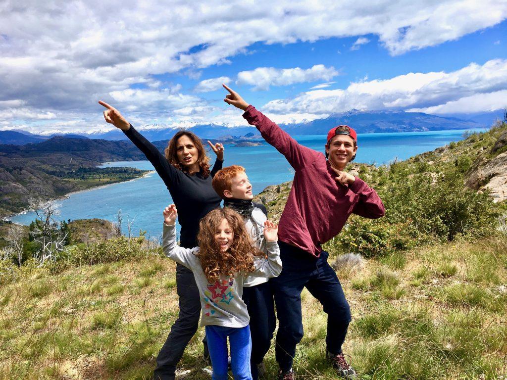 על אגם קררה המדהים ביופיו