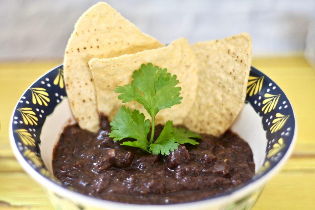 מרק שעועית שחורה מוכן