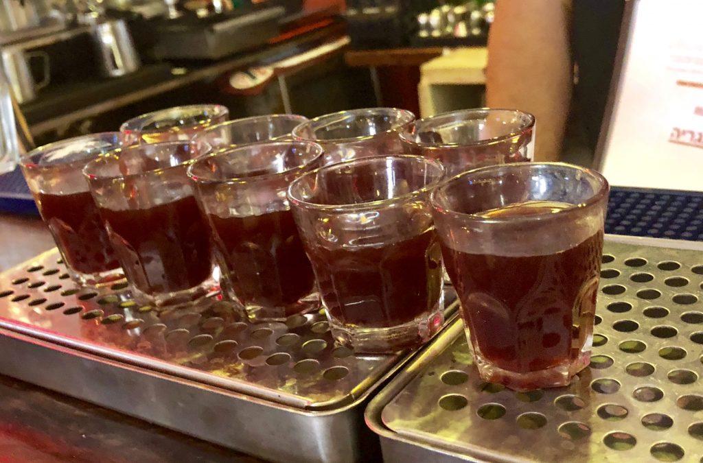 שלושה משקאות מרעננים - סיור בזכרון יעקב