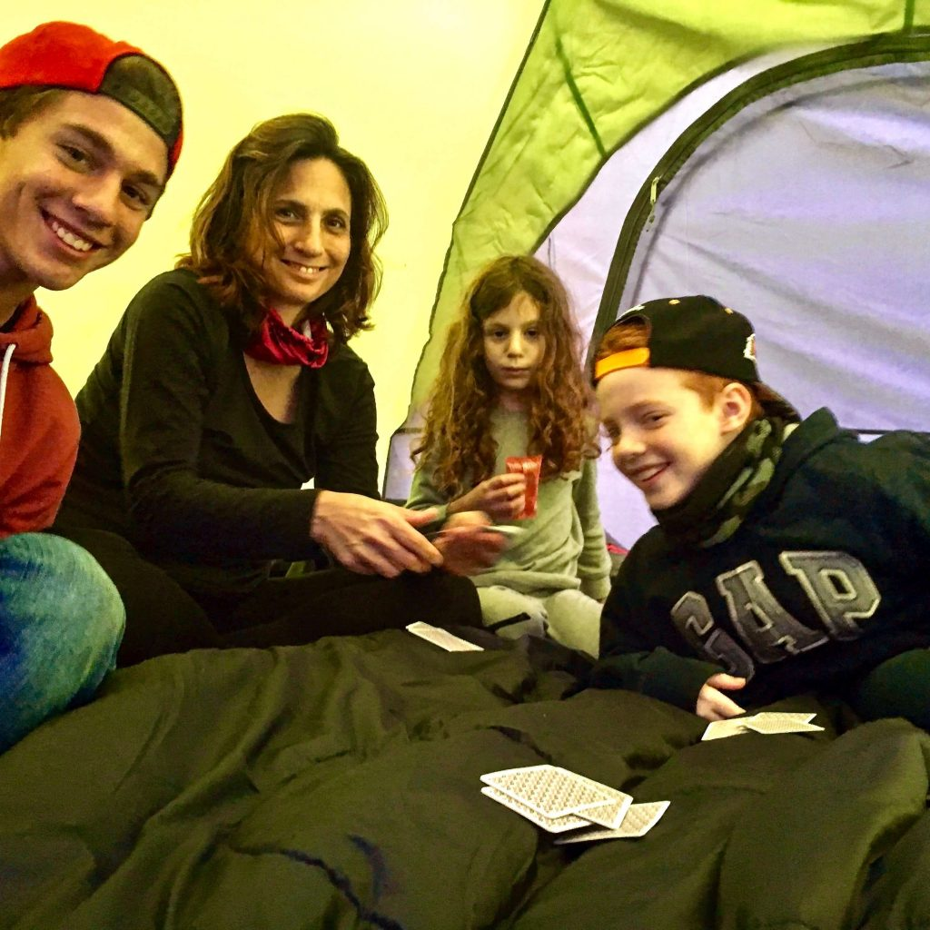 משחקים טאקי באוהל