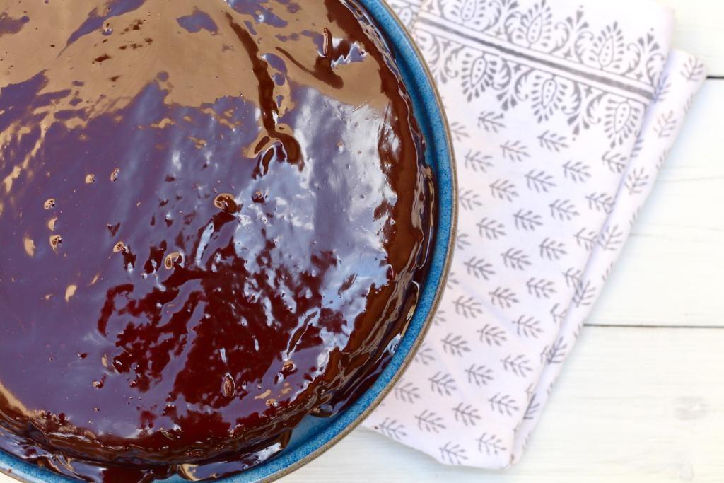 מי ידע שמתחת לשוקולד מתחבאת עוגת גזר ברזילאית?