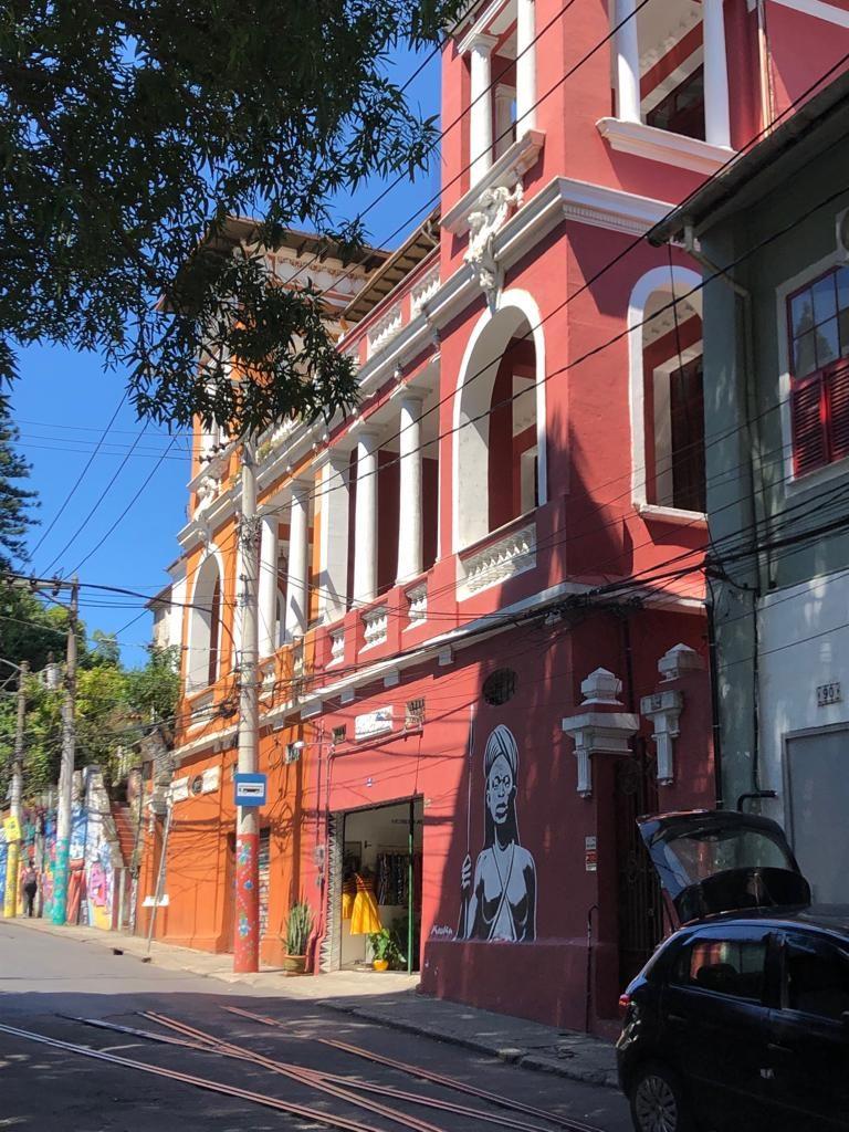 ברחובות סנטה טרזה