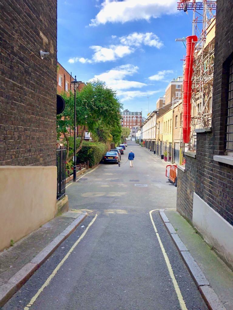 הרחוב הקטן שגרנו בו ממש במרכז לונדון