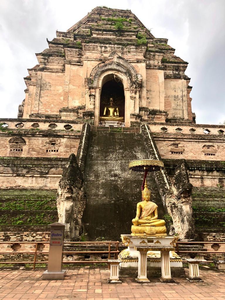מקדש wat Chedi Luang