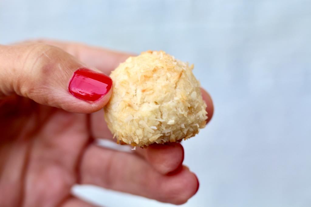 עוגיות מרציפן ספרדיות, panellets עם קוקוס